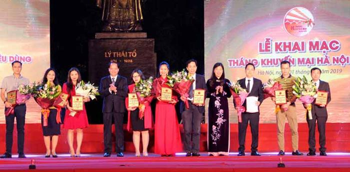 Bình nước nóng và máy lọc nước Tân Á Đại Thành lọt Top 1 hàng Việt Nam được người tiêu dùng yêu thích