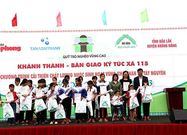 Khánh thành và bàn giao Ký túc xá 115 cho học sinh vùng sâu Đắk Lắk