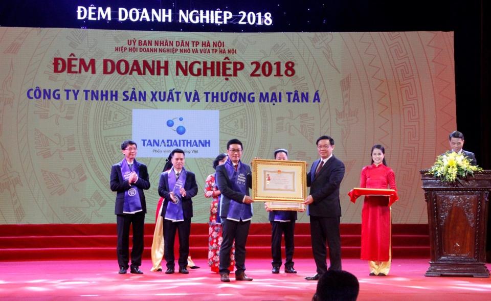 """Tân Á Đại Thành được vinh danh trong """"Đêm Doanh nghiệp 2018″"""