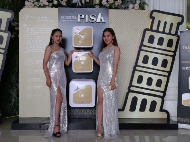 Hàng chục nghìn bình nước nóng Rossi Pisa được bán trong ngày ra mắt 6