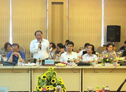 Nhiều khách mời tham dự hội thảo đã có những đề xuất nhằm nâng cao mối quan hệ giữa doanh nghiệp và nhà báo.