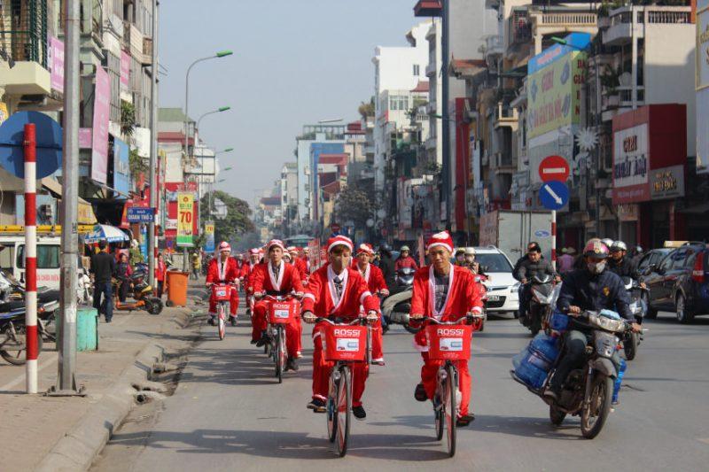 Tân Á Đại Thành tổ chức đạp xe kêu gọi tiết kiệm điện – bảo vệ môi trường