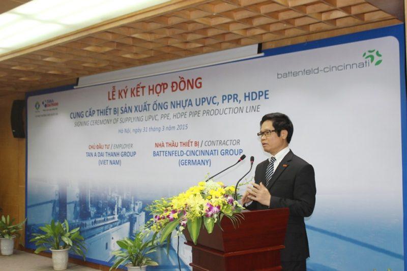 Ông Vũ Tiến Lộc – Chủ tịch Phòng Thương mại và Công nghiệp Việt Nam phát biểu trong lễ ký kết