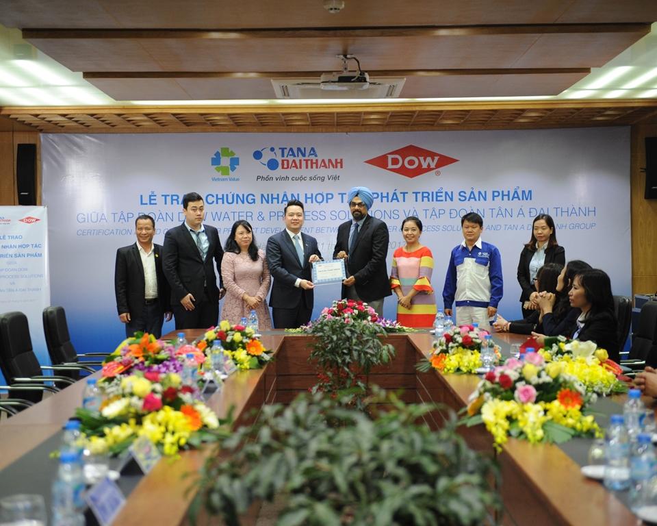 Hợp tác giữa Tập đoàn Dow và Tập đoàn Tân Á Đại Thành nhằm mục đích đồng phát triển các sản phẩm Máy lọc nước R.O có tính năng ưu việt, hướng tới tạo ra những lợi ích thiết thực cho người tiêu dùng Việt Nam