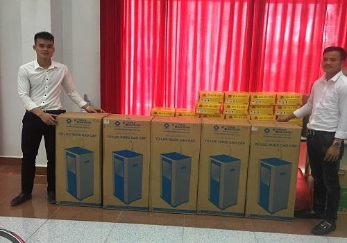 Bộ Tài nguyên và Môi trường Việt Nam trao tặng 05 máy lọc nước R.O Tân Á cho Bộ Tài nguyên và Môi trường Lào 2