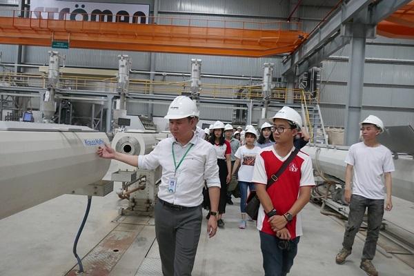 Ströman đón gần 100 Thí sinh Business Ideas đến tham quan nhà máy tại Long An 3