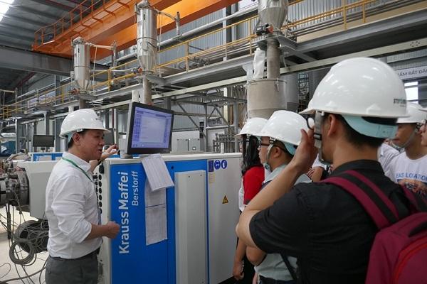 Ströman đón gần 100 Thí sinh Business Ideas đến tham quan nhà máy tại Long An 5
