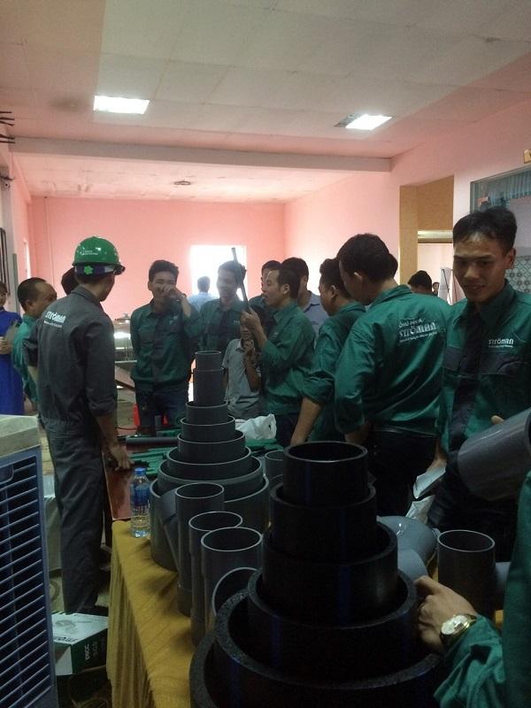 Ströman Việt Nam: Tổ chức thành công lễ tri ân thầu thợ 1
