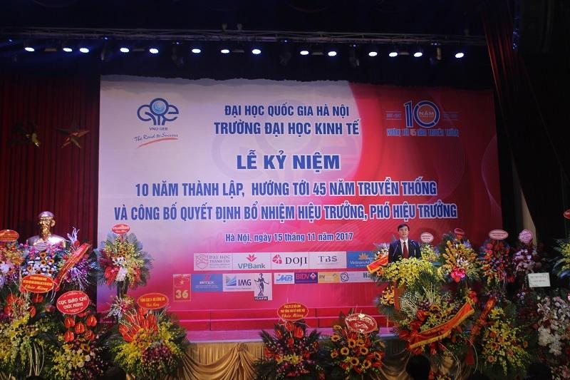 Lễ kỷ niệm 10 năm thành lập trường ĐH Kinh tế.