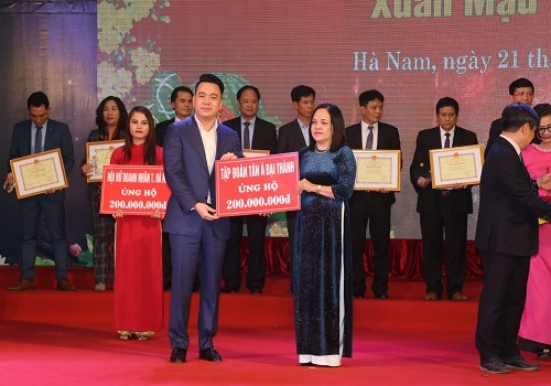 """Tân Á Đại Thành chung tay ủng hộ """"Tết vì người nghèo"""" 2018 1"""