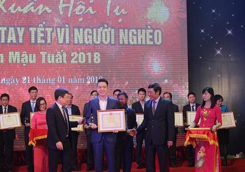 """Tân Á Đại Thành chung tay ủng hộ """"Tết vì người nghèo"""" 2018"""