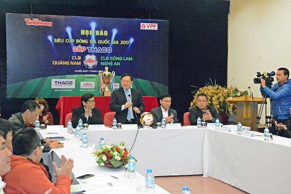Tân Á Đại Thành tài trợ trận siêu cúp quốc gia 2017 1