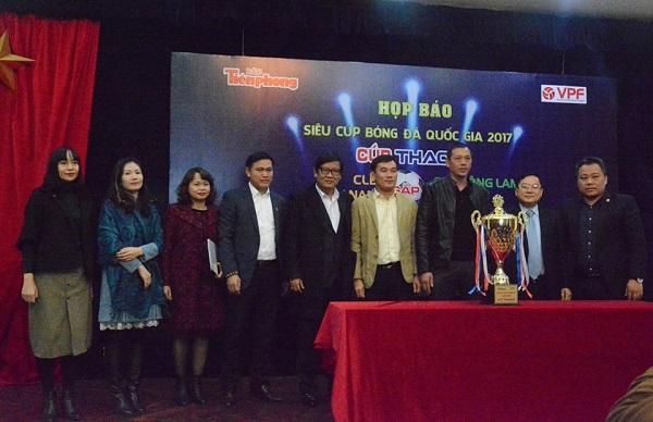 Tân Á Đại Thành tài trợ trận siêu cúp quốc gia 2017 2
