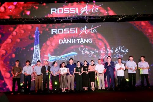 Tập đoàn Tân Á Đại Thành ra mắt nữ hoàng bình nước nóng Rossi Arte 9