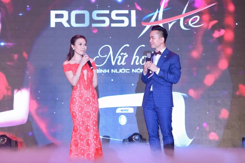 Tập đoàn Tân Á Đại Thành ra mắt nữ hoàng bình nước nóng Rossi Arte 5