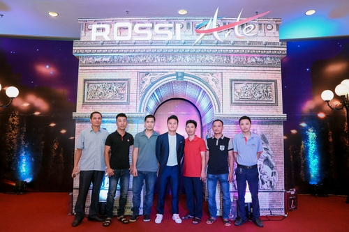 Tập đoàn Tân Á Đại Thành ra mắt nữ hoàng bình nước nóng Rossi Arte 7