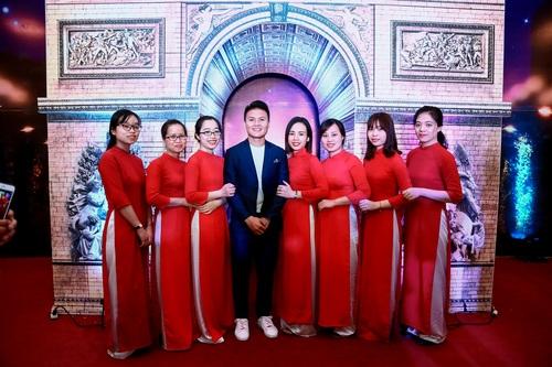 Tập đoàn Tân Á Đại Thành ra mắt nữ hoàng bình nước nóng Rossi Arte 8