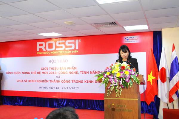 Bà Nguyễn Thị Mai Phương – Chủ tịch HĐQT, Tổng Giám đốc Tập đoàn Tân Á Đại Thành  phát biểu khai mạc hội thảo.