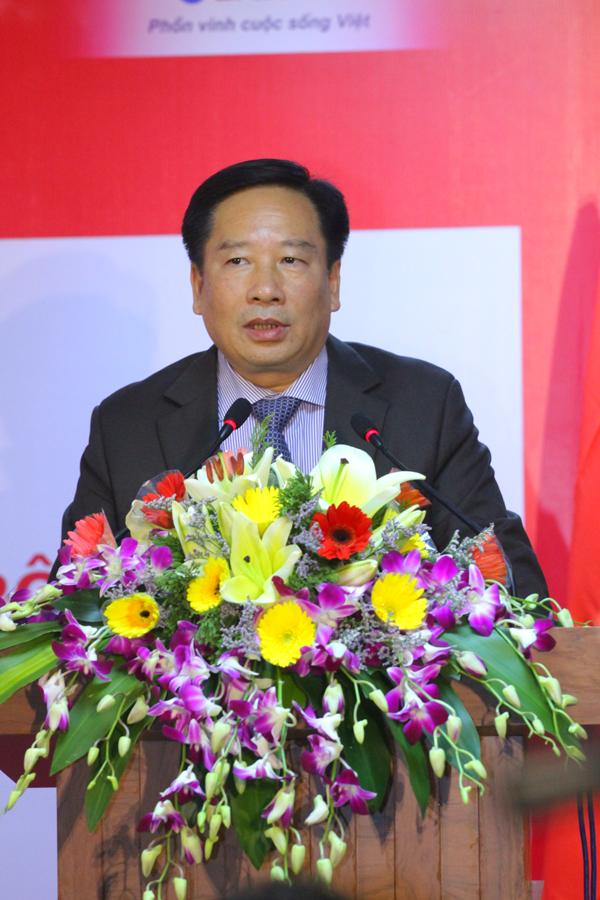 Ông Nguyễn Thái Lai – Thứ trưởng Bộ tài nguyên và Môi trường khuyến khích sử dụng Bình nước nóng Rossi Thế hệ mới bởi tính năng tiết kiệm điện và thân thiện với môi trường.