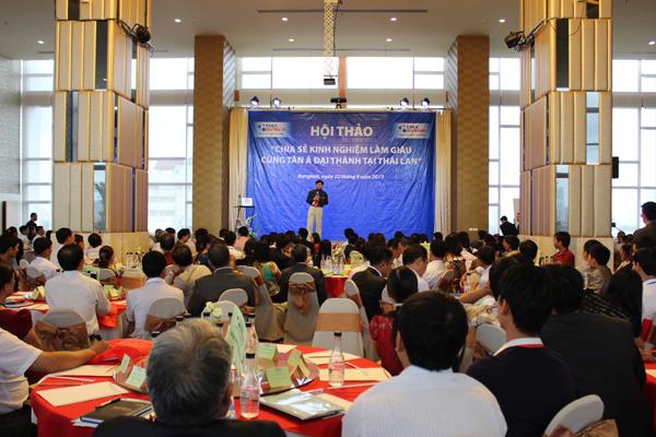 """GS. Đặng Ngọc Sự trình bày tham luận """"Làm thế nào để Kinh doanh hiệu quả?"""""""