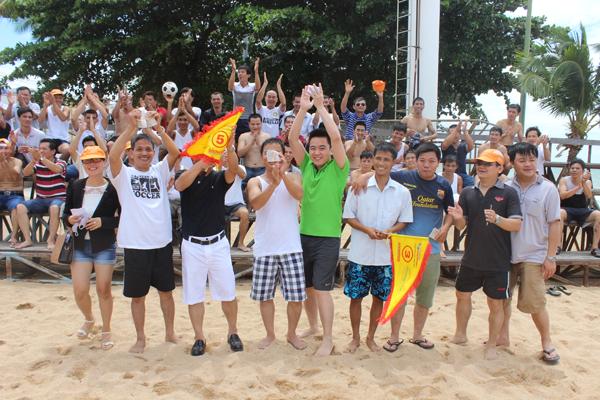 Hoạt động giao lưu Giải bóng đá trên bãi biển Pattaya