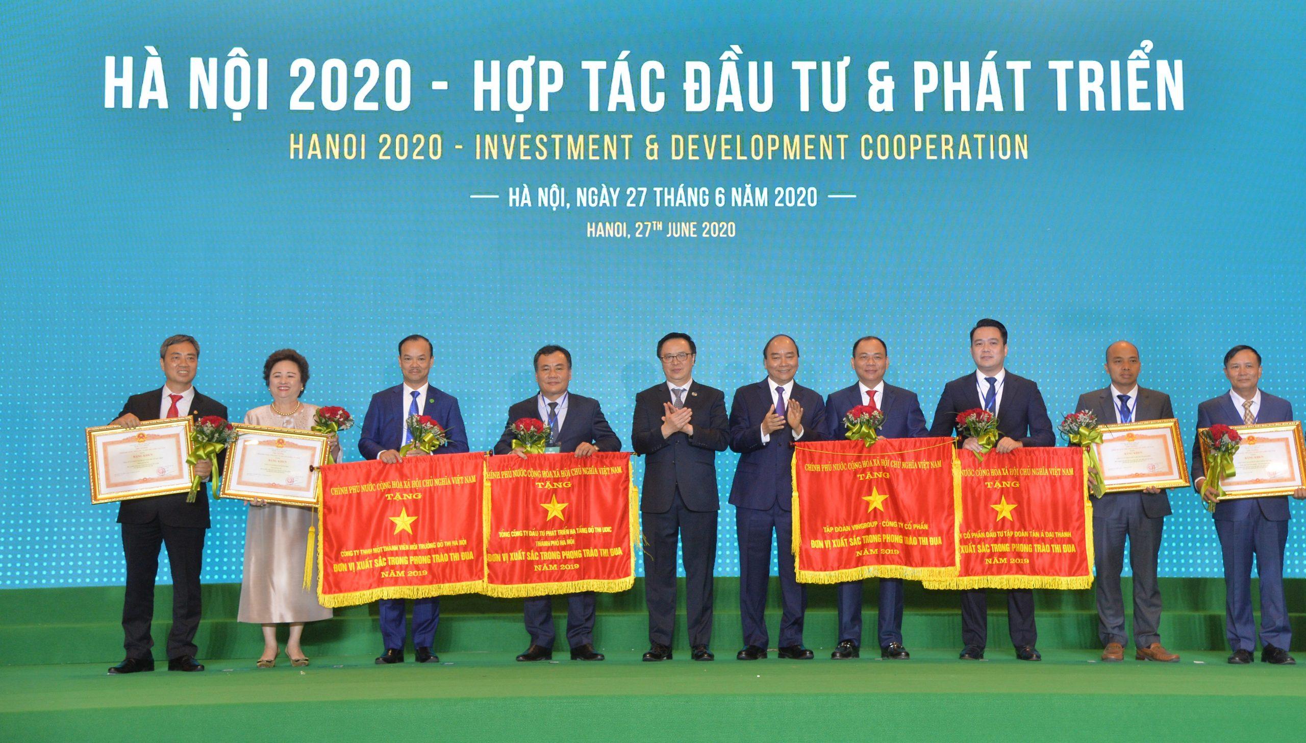 Tân Á Đại Thành vinh dự được nhận Cờ thi đua của Thủ tướng Chính phủ