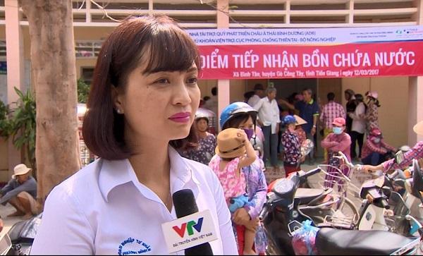 Bồn chứa nước Tân Á Đại Thành tới tay các hộ nghèo ở Tiền Giang 2