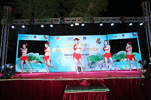 """Đại sự kiện """"We Win Together"""" 2017: Trải nghiệm ấn tượng khó quên của người Tân Á Đại Thành 4"""