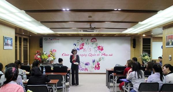 Phụ nữ Tân Á Đại Thành rạng rỡ ngày 8-3 1