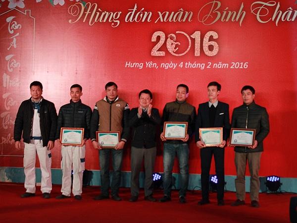 Tân Á Đại Thành: 200 cá nhân, tập thể xuất sắc vinh danh trong lễ tổng kết 3