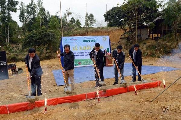Tân Á Đại Thành tài trợ 100 triệu đồng xây dựng phòng học tại Yên Bái cùng báo Dân Trí 4