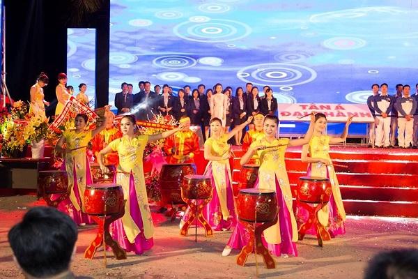 """Tân Á Đại Thành tổ chức thành công đại lễ hội """"Sức trẻ tuổi 22"""" 8"""