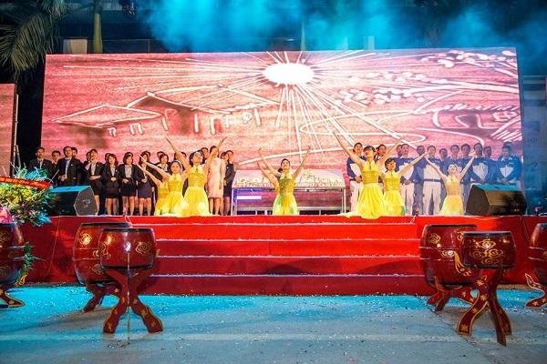 """Tân Á Đại Thành tổ chức thành công đại lễ hội """"Sức trẻ tuổi 22"""" 9"""