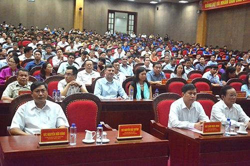 Tập đoàn Tân Á Đại Thành trao 100 bồn nước Tân Á trị giá 200 triệu đồng tới bà con vùng lũ Sơn La 1