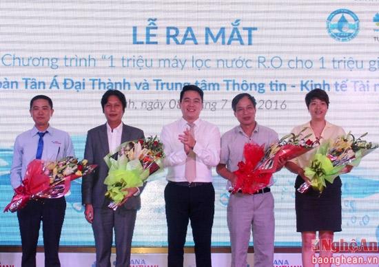 Tập đoàn Tân Á Đại Thành giới thiệu Máy lọc nước R.O thế hệ mới 2016 tại Nghệ An 5