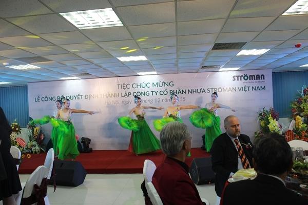 Tập đoàn Tân Á Đại Thành tổ chức lễ công bố quyết định thành lập Công ty CP nhựa Stroman Việt Nam và Chủ tịch HĐQT đón nhận huân chương lao động hạng 3 8