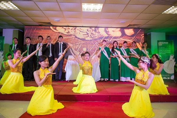 Tập đoàn Tân Á Đại Thành tổ chức lễ công bố quyết định thành lập Công ty CP nhựa Stroman Việt Nam và Chủ tịch HĐQT đón nhận huân chương lao động hạng 3 9