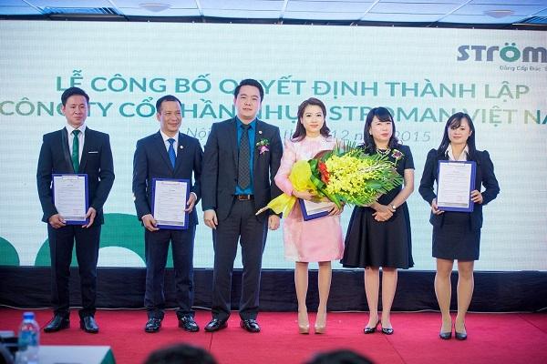 Tập đoàn Tân Á Đại Thành tổ chức lễ công bố quyết định thành lập Công ty CP nhựa Stroman Việt Nam và Chủ tịch HĐQT đón nhận huân chương lao động hạng 3 5