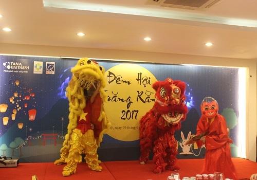 Tập đoàn Tân Á Đại Thành tổ chức vui Tết Trung thu cho con em CBNV 2