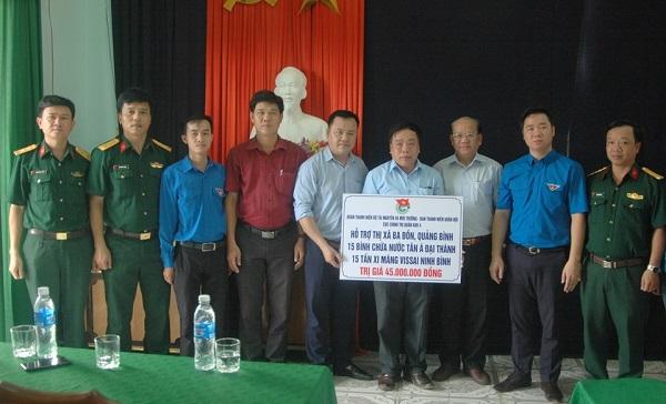 Trao tặng 100 bồn nước hỗ trợ bà con Quảng Bình, Hà Tĩnh chịu ảnh hưởng bão số 10 1