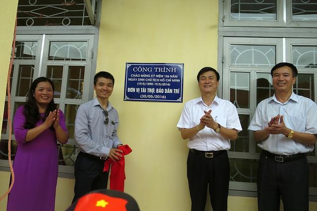 Tưng bừng ngày hội khánh thành 3 phòng học Dân trí tại Yên Bái 14