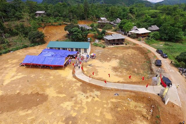 Tưng bừng ngày hội khánh thành 3 phòng học Dân trí tại Yên Bái 7