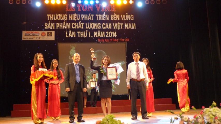"""Tân Á Đại Thành lọt Top 10 """"Thương hiệu phát triển bền vững và sản phẩm chất lượng cao Việt Nam 2014"""""""
