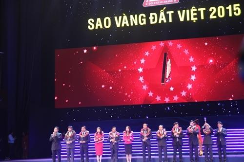 Tập đoàn Tân Á Đại Thành nhận TOP 10 Doanh nghiệp Trách nhiệm Xã hội Sao Vàng Đất Việt 2015