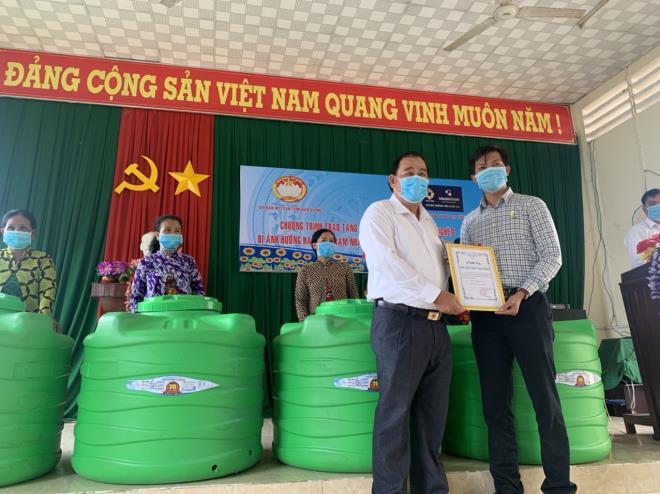 Giữa mùa COVID-19, Tân Á Đại Thành chi hàng tỷ đồng hỗ trợ người nghèo 2