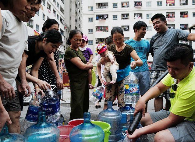 Nguồn nước sinh hoạt tại các hộ chung cư đang là vấn đề nhức nhối hiện nay