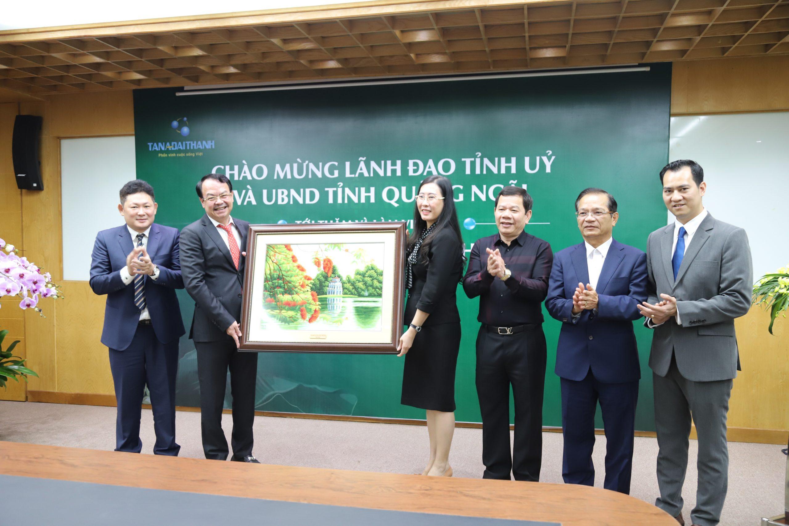 Quảng Ngãi cam kết tạo điều kiện thuận lợi nhất đón vốn đầu tư từ Tân Á Đại Thành