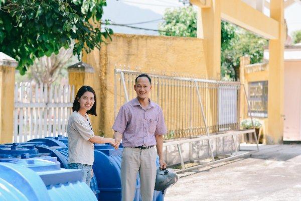 Tân Á Đại Thành tặng bồn nước cho làng hạnh phúc ở Quảng Nam