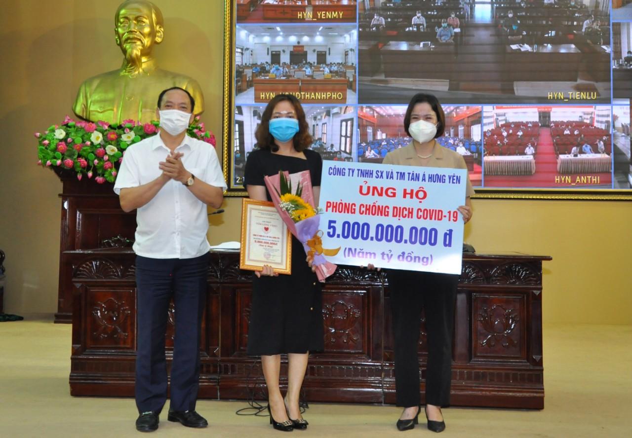 Tân Á Đại Thành ủng hộ tỉnh Hưng Yên 5 tỷ đồng phòng chống dịch COVID-19