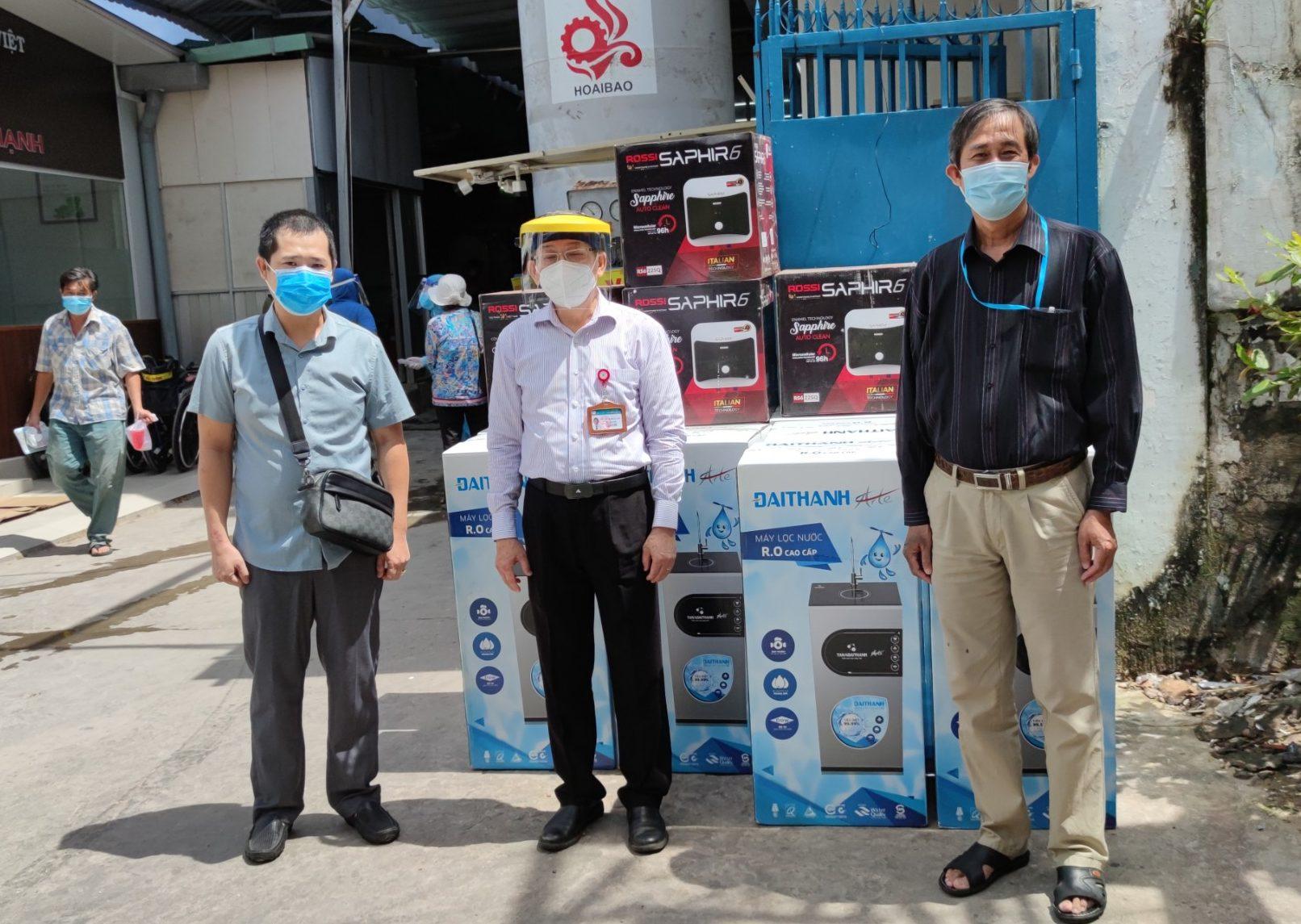 Tân Á Đại Thành tiếp sức lực lượng tuyến đầu tại TPHCM
